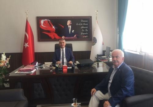Ödemiş Ticaret Borsası Yönetim Kurulu Başkanı A.Latif AKA İlçe Emniyet Müdürlüğü'ne ziyarette bulundu: