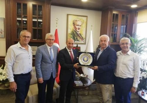Ödemiş Ticaret Borsası İzmir Büyükşehir Belediye Başkanı'nı Makamında Ziyaret Etti