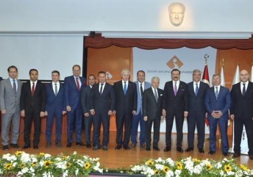 Ödemiş Ticaret Borsası TOBB Başkanı Sayın M.Rifat HİSARCIKLIOĞLU 'nun katılımıyla gerçekleştirilen ve İzmir Ticaret Odası'nca Düzenlenen Geleneksel Vergi Ödül Törenine…